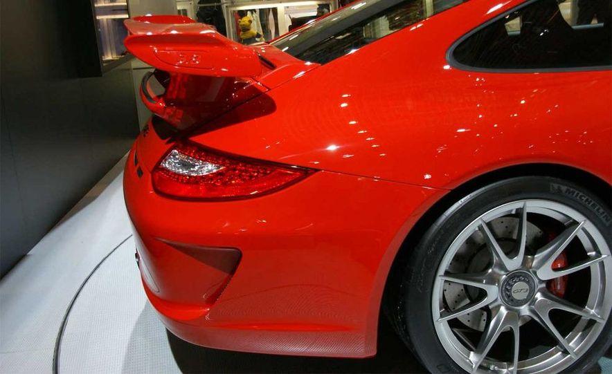 2010 Porsche 911 GT3 - Slide 11