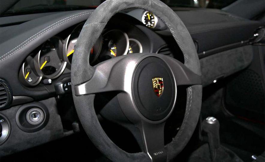 2010 Porsche 911 GT3 - Slide 22