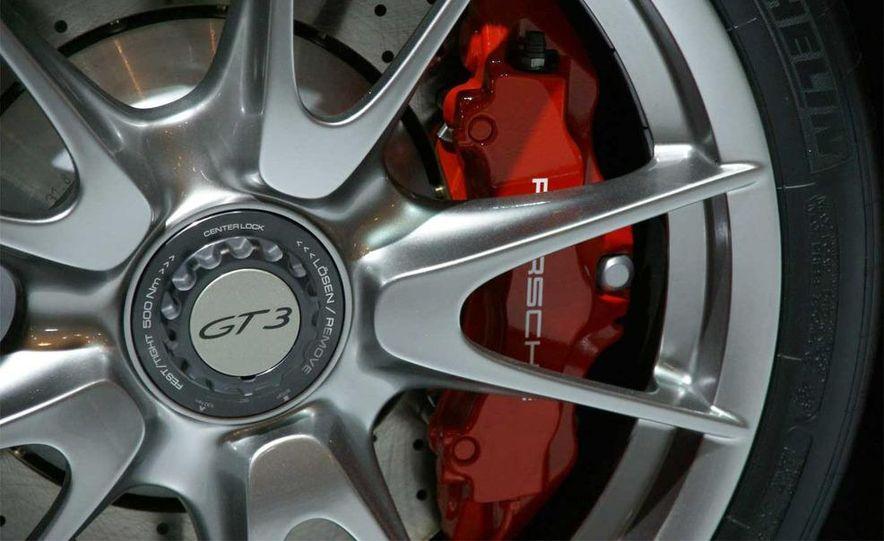 2010 Porsche 911 GT3 - Slide 30