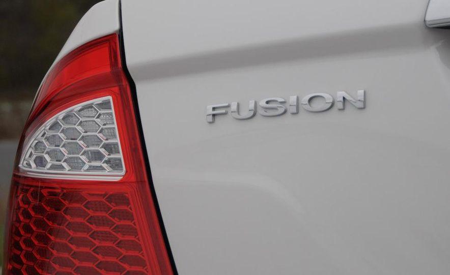 2010 Ford Fusion hybrid - Slide 9