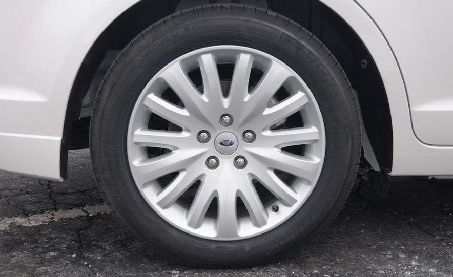 2010 Ford Fusion hybrid - Slide 11