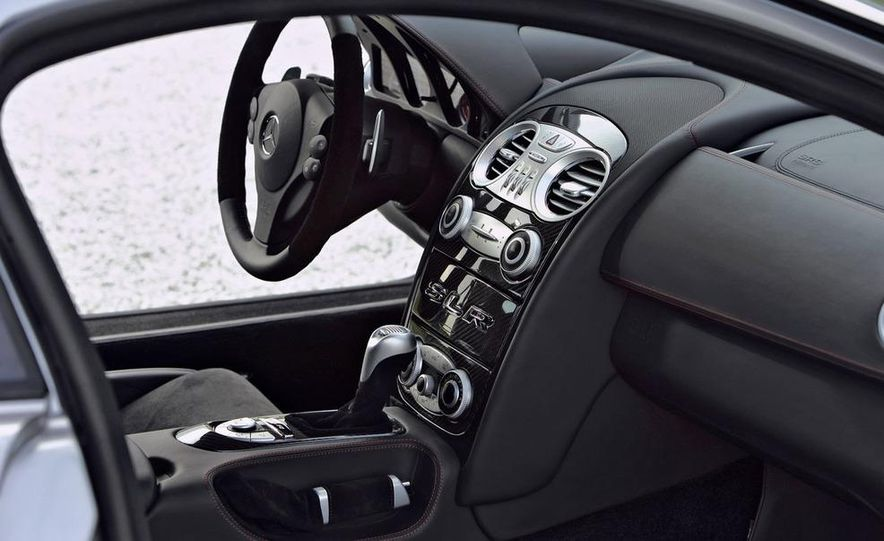 2007 Mercedes-Benz SLR McLaren 722 Edition interior - Slide 1