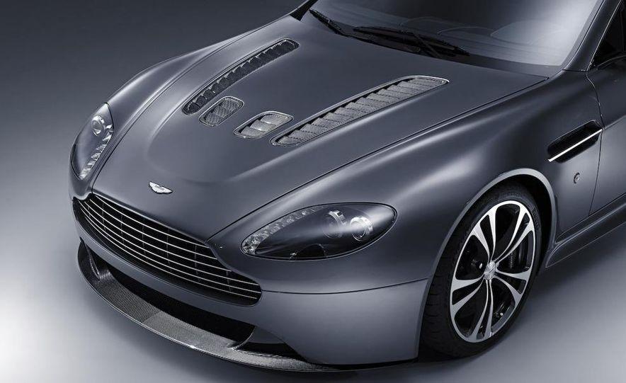 2010 Aston Martin V-12 Vantage - Slide 21