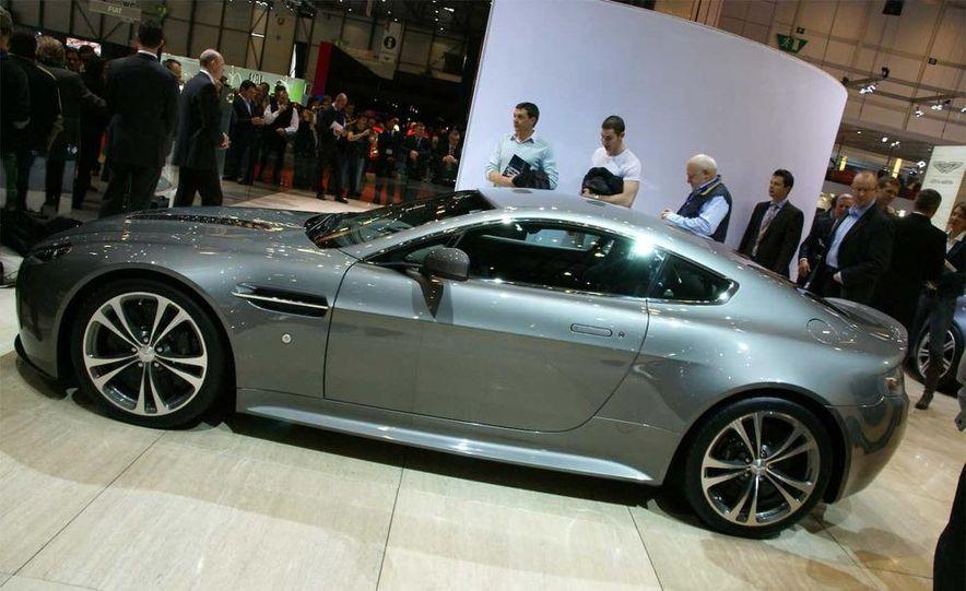 2010 Aston Martin V-12 Vantage - Slide 18