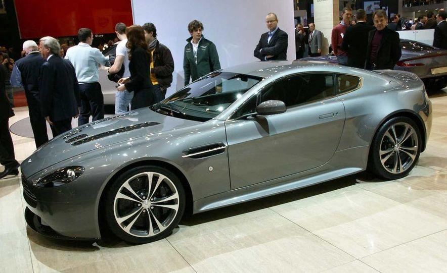 2010 Aston Martin V-12 Vantage - Slide 19