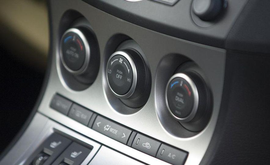 2010 Mazda 3 s Grand Touring - Slide 21