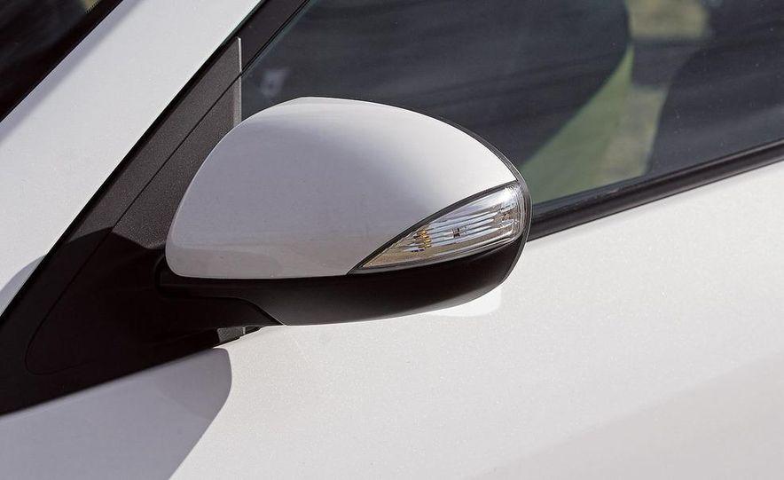 2010 Mazda 3 s Grand Touring - Slide 14