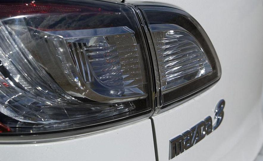 2010 Mazda 3 s Grand Touring - Slide 15