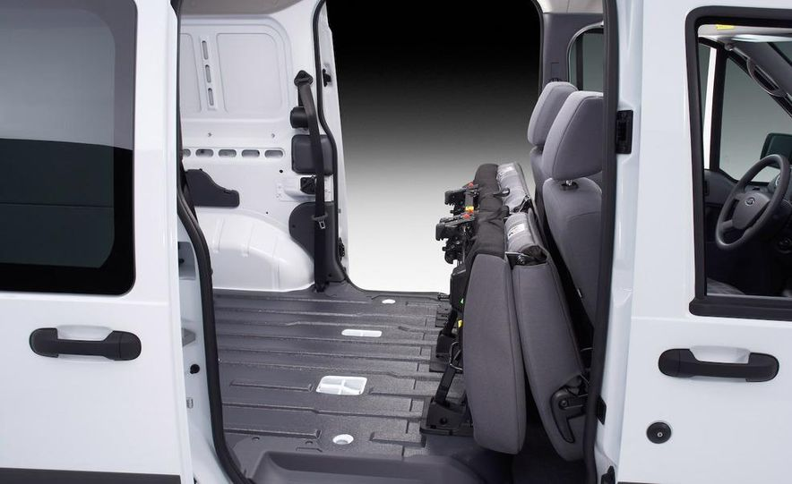 2010 Ford Transit Connect - Slide 16