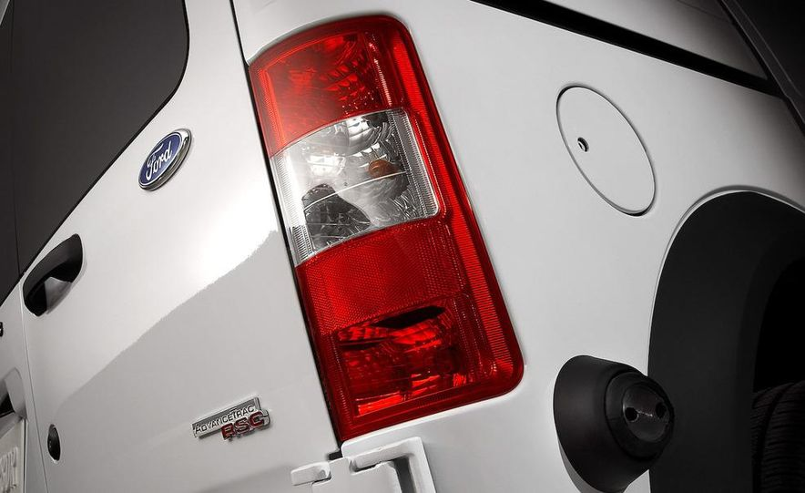 2010 Ford Transit Connect - Slide 12