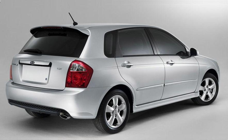 2010 Kia Forte sedan - Slide 9