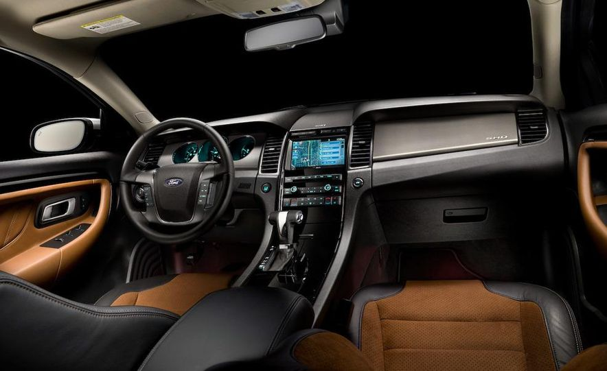 2010 Ford Taurus SHO - Slide 9