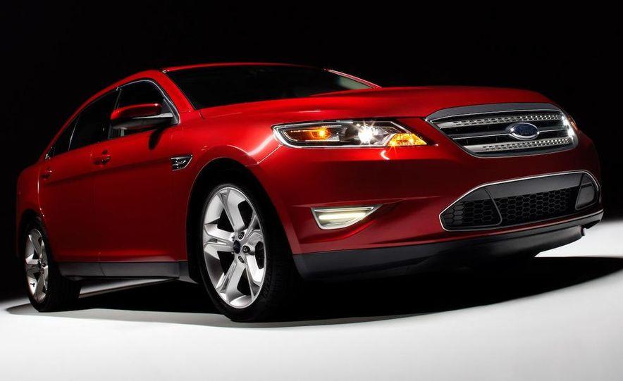 2010 Ford Taurus SHO - Slide 12
