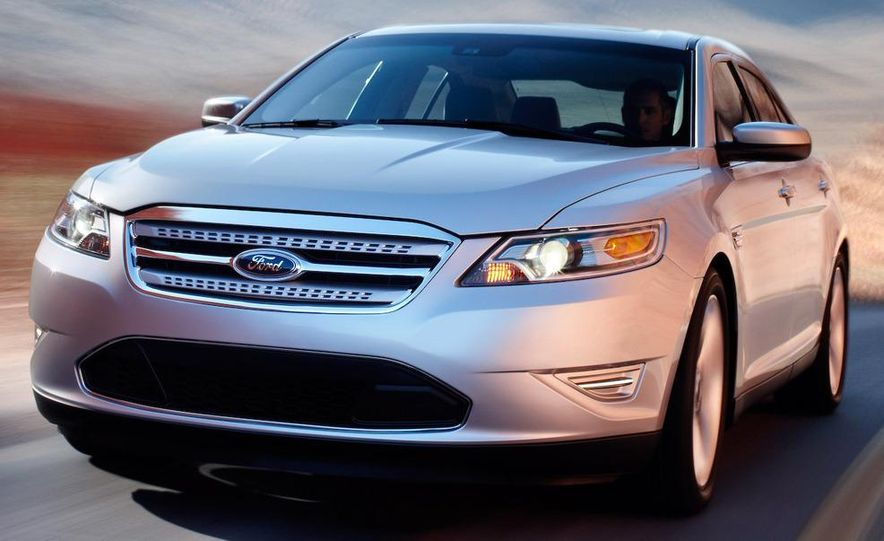 2010 Ford Taurus SHO - Slide 17