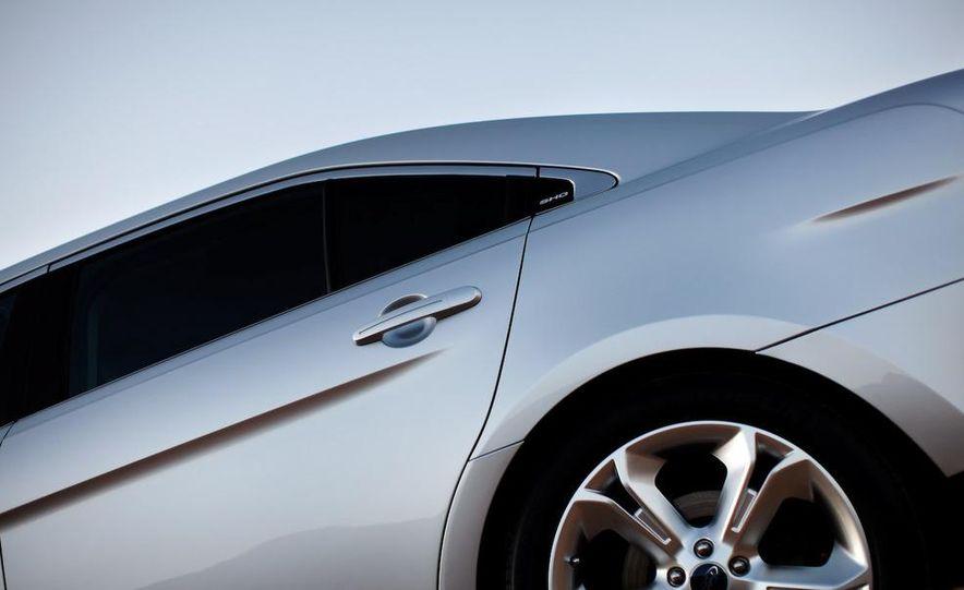 2010 Ford Taurus SHO - Slide 28