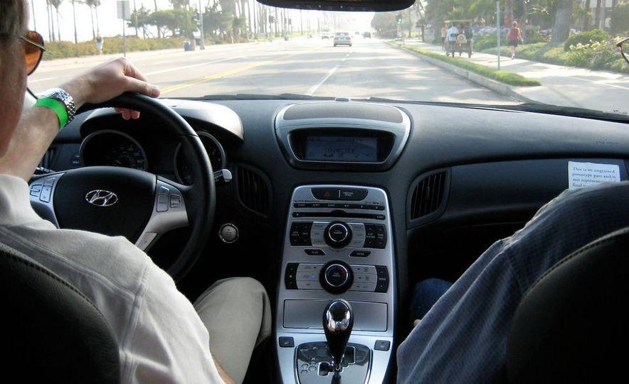 2010 Hyundai Genesis coupe - Slide 15