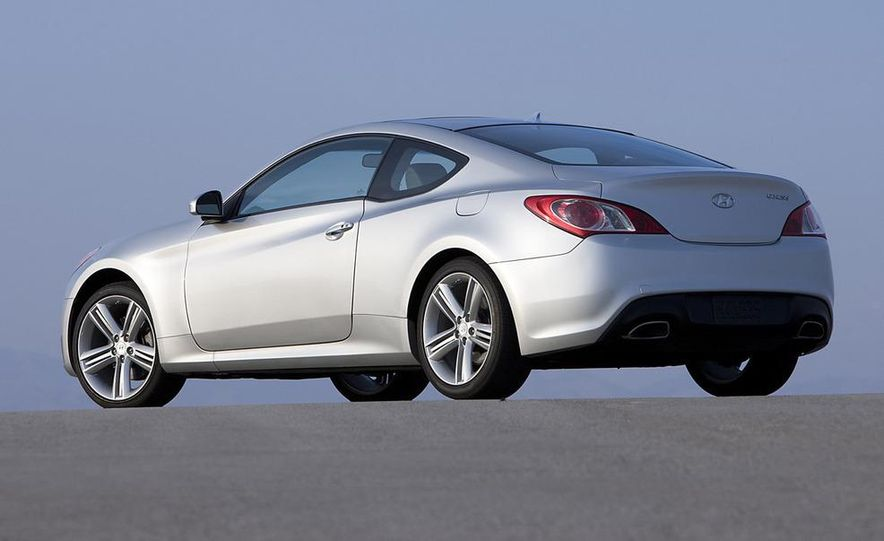 2010 Hyundai Genesis coupe - Slide 12