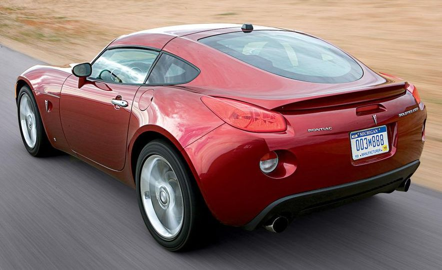 2009 Pontiac Solstice GXP coupe. 2009 Nissan 370Z, 2009 BMW 135i coupe, and 2009 Mazda RX-8 R3 - Slide 11