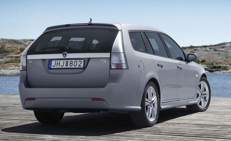 2010 Saab 9-3X - Slide 20