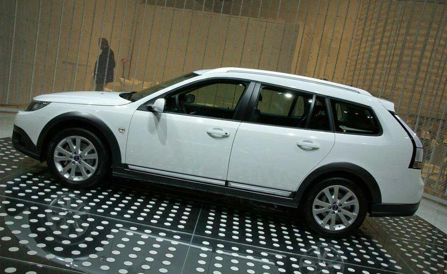 2010 Saab 9-3X - Slide 2
