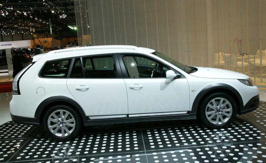 2010 Saab 9-3X - Slide 4
