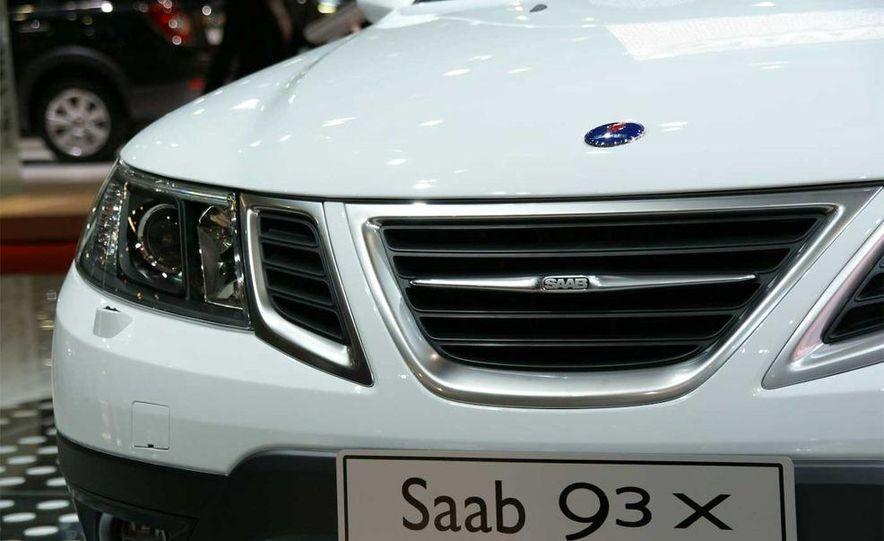2010 Saab 9-3X - Slide 8