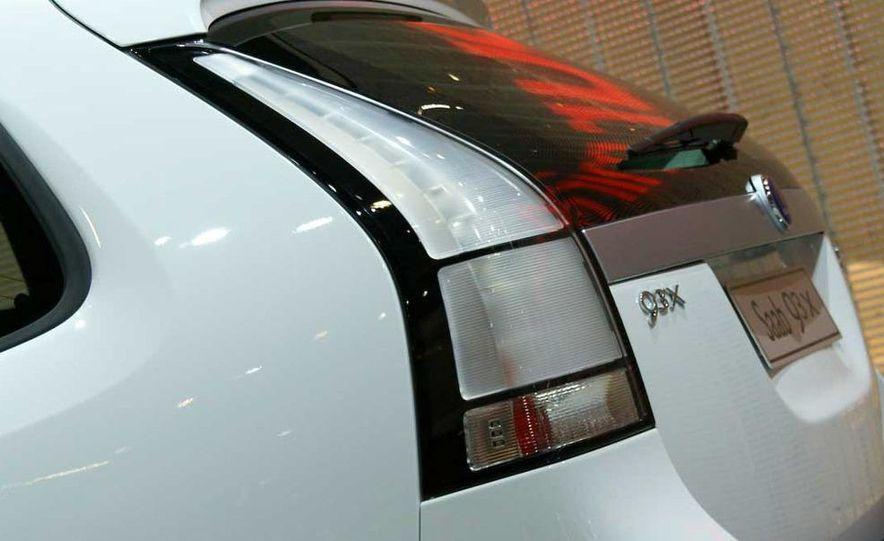 2010 Saab 9-3X - Slide 11