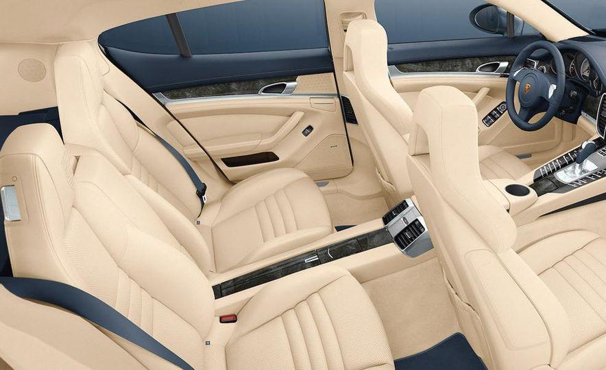 2010 Porsche Panamera steering wheel and instrument panel - Slide 7