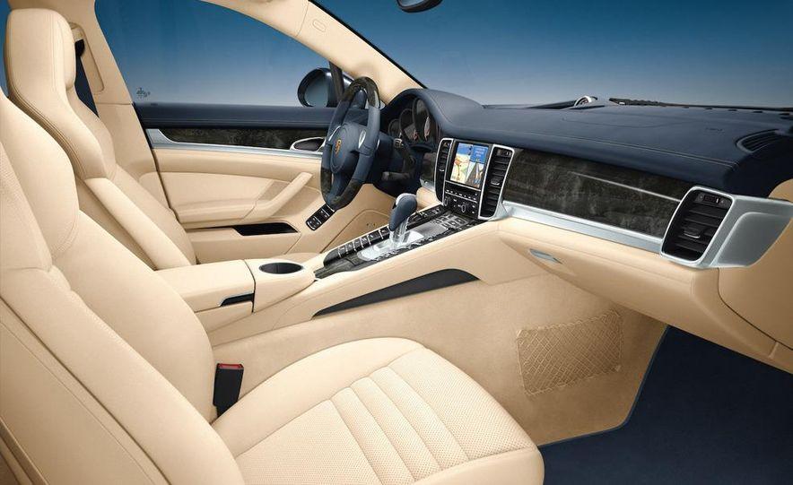2010 Porsche Panamera steering wheel and instrument panel - Slide 3