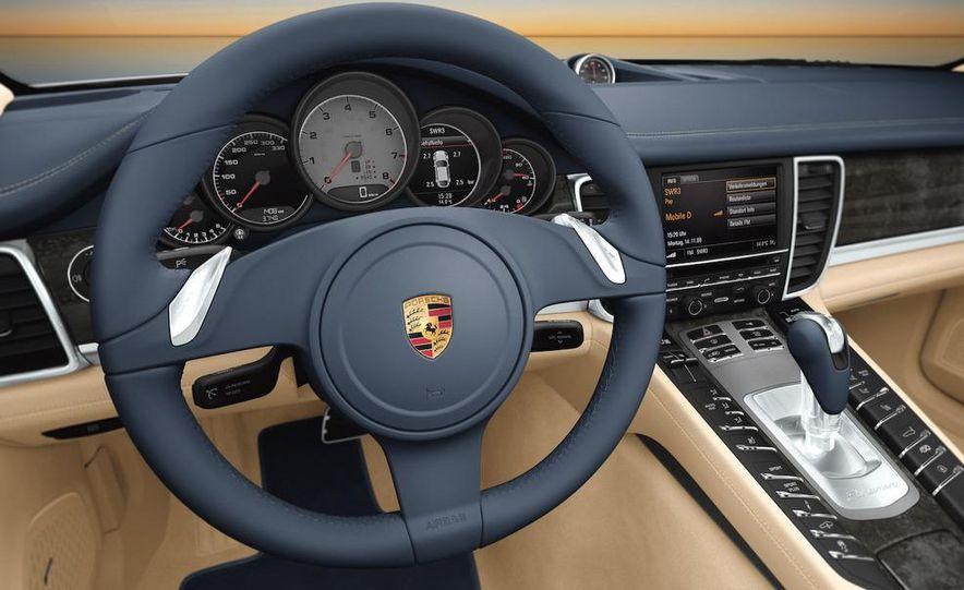 2010 Porsche Panamera steering wheel and instrument panel - Slide 1