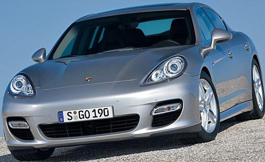 2010 Porsche Panamera steering wheel and instrument panel - Slide 12