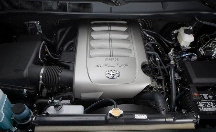 2010 Toyota Tundra Double Cab 4.6-liter V-8 engine - Slide 1