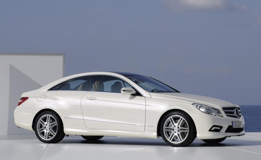 The new Mercedes Benz E-class coupe presented by G. Wagener, VP of Design - Slide 21