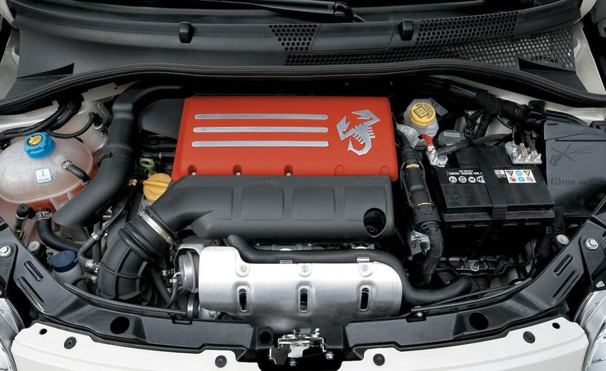 2009 Fiat 500 Abarth - Slide 16