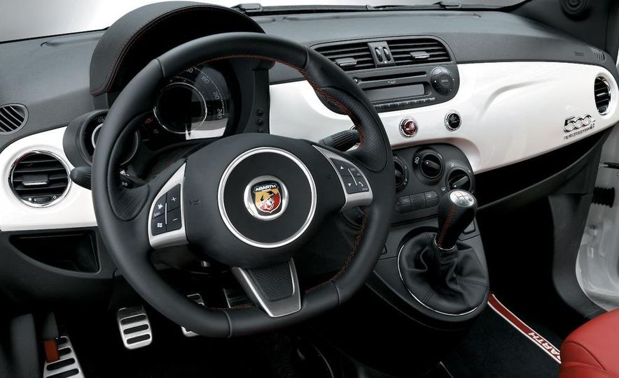 2009 Fiat 500 Abarth - Slide 17
