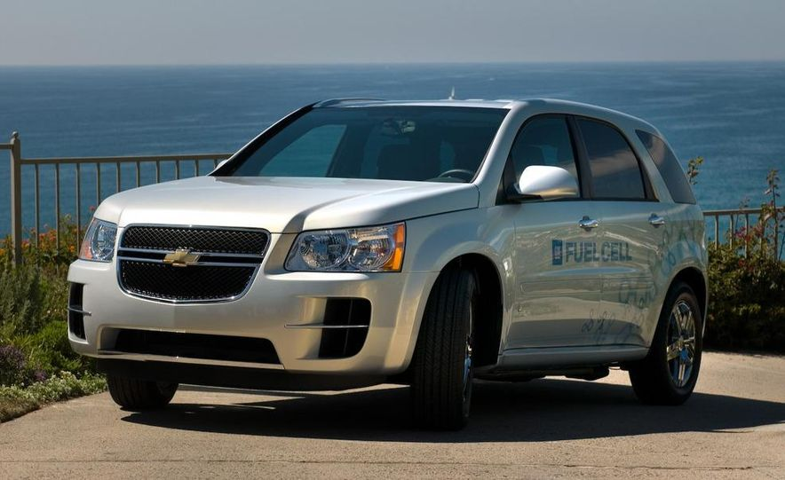 2010 Cadillac CTS Sport Wagon - Slide 34