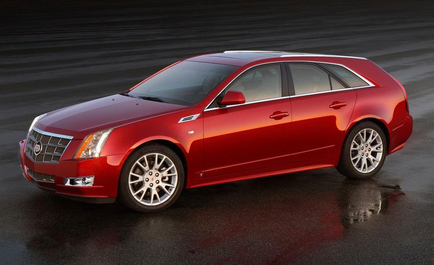 2010 Cadillac CTS Sport Wagon - Slide 2