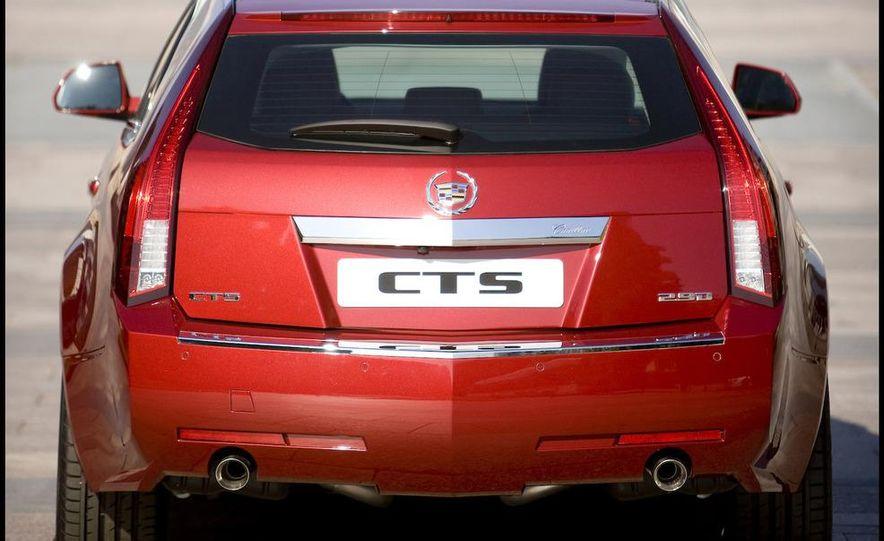2010 Cadillac CTS Sport Wagon - Slide 16