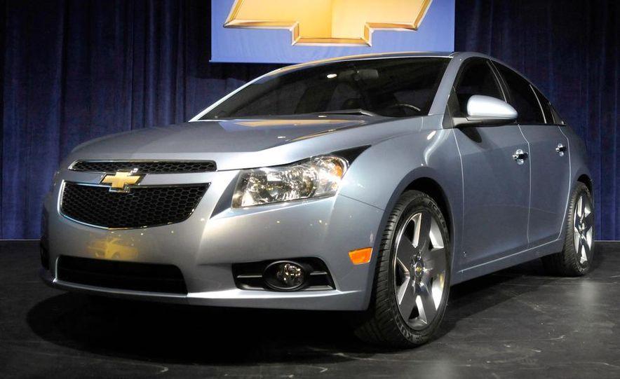 2010 Cadillac CTS Sport Wagon - Slide 14