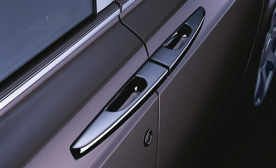 2009 Rolls-Royce Phantom extended wheelbase sedan - Slide 2