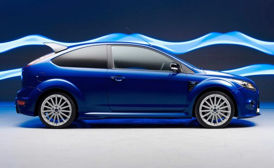 2009 Ford Focus RS (European model) - Slide 1