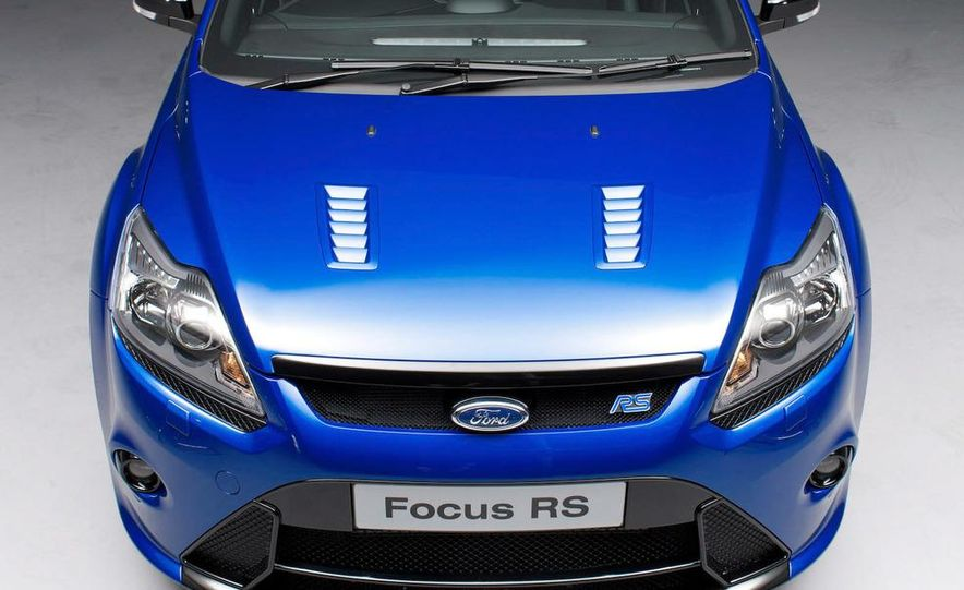 2009 Ford Focus RS (European model) - Slide 8