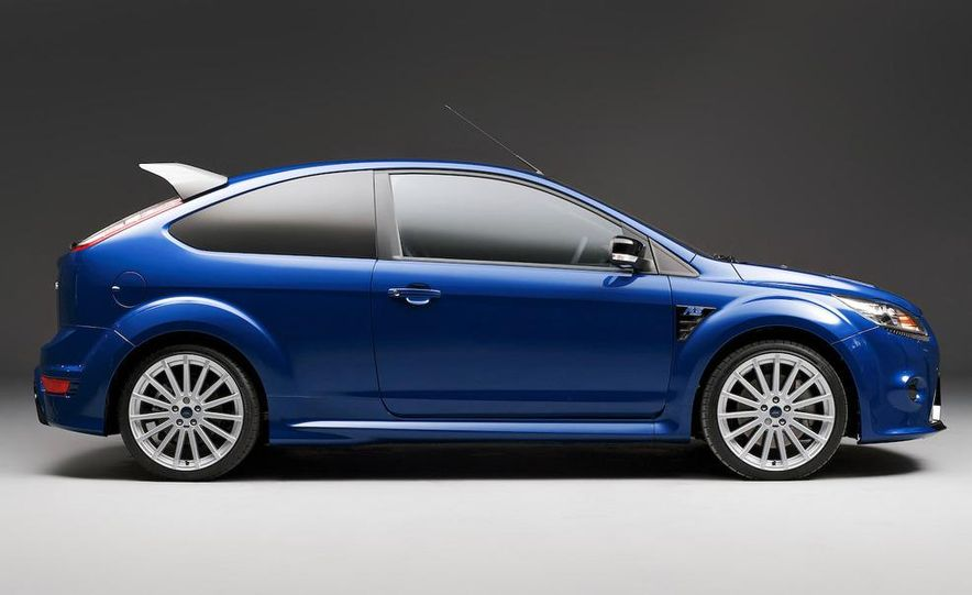 2009 Ford Focus RS (European model) - Slide 15