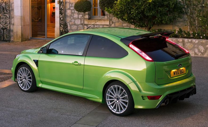 2009 Ford Focus RS (European model) - Slide 19