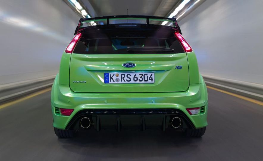 2009 Ford Focus RS (European model) - Slide 22