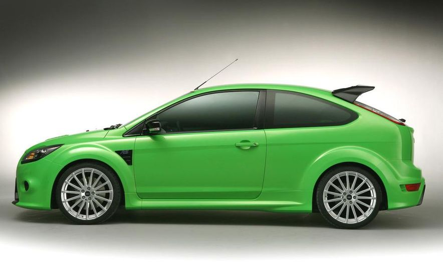 2009 Ford Focus RS (European model) - Slide 29