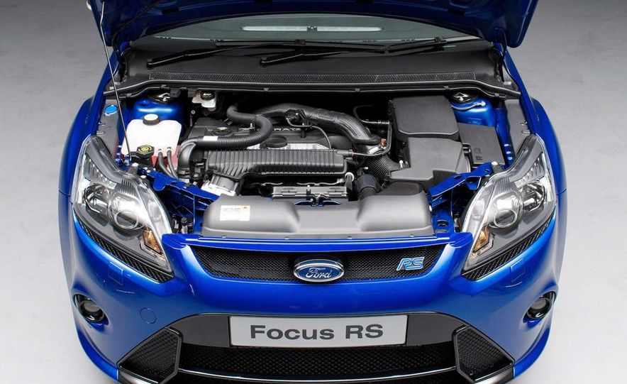 2009 Ford Focus RS (European model) - Slide 7