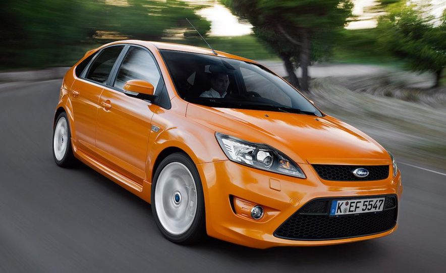 2009 Ford Focus RS (European model) - Slide 23