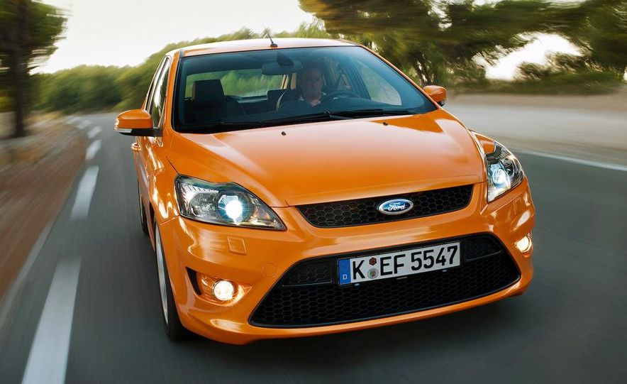 2009 Ford Focus RS (European model) - Slide 24