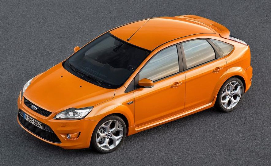 2009 Ford Focus RS (European model) - Slide 25